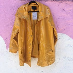 Yellow rain jacket by who what wear